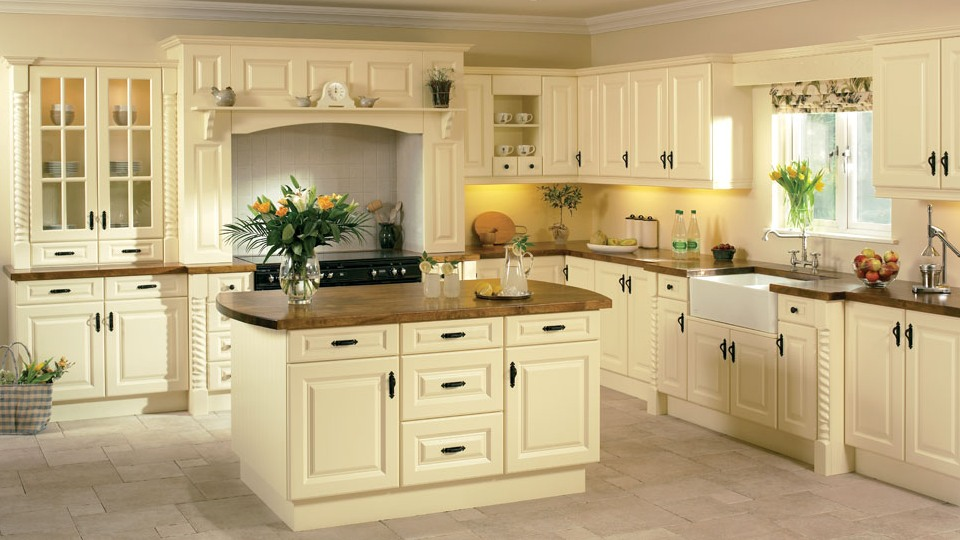 Beaded Vienna Kitchen In Cream Ash Finish photo - 7